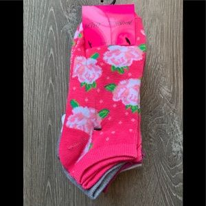 New Betsey  Johnson low cut socks 10pk
